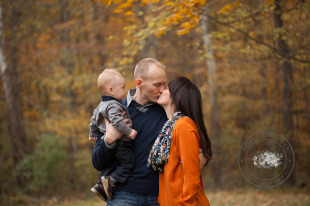 Fall Western PA Brush Creek Park Kissing picture