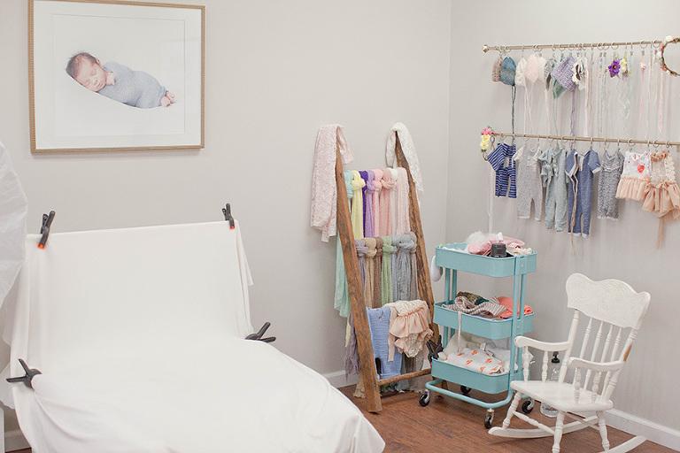 <alt>newborn posing area<alt>